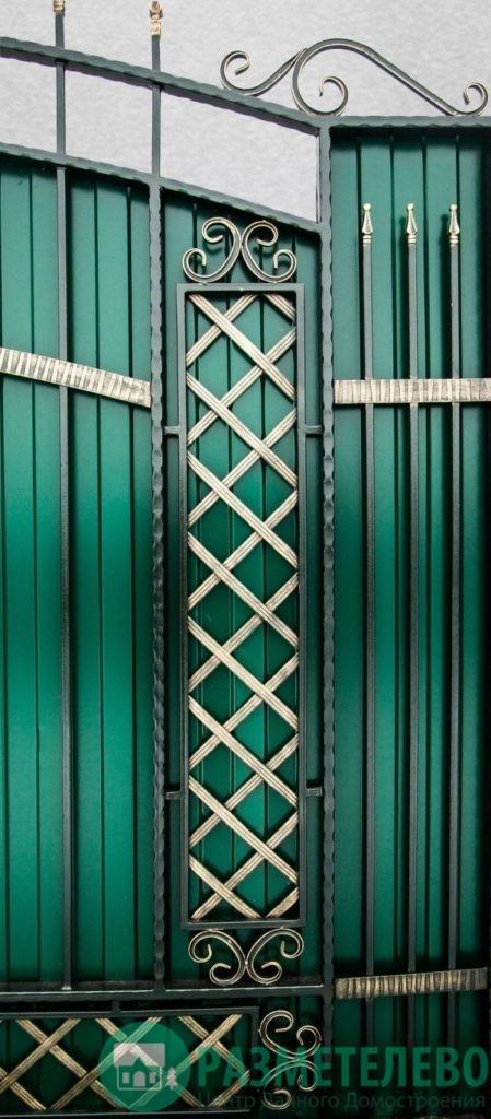 Кованные распашные ворота с калиткой серии Нарядные арт.04