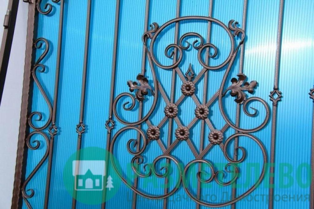 Кованные распашные ворота с калиткой серии Нарядные арт.03